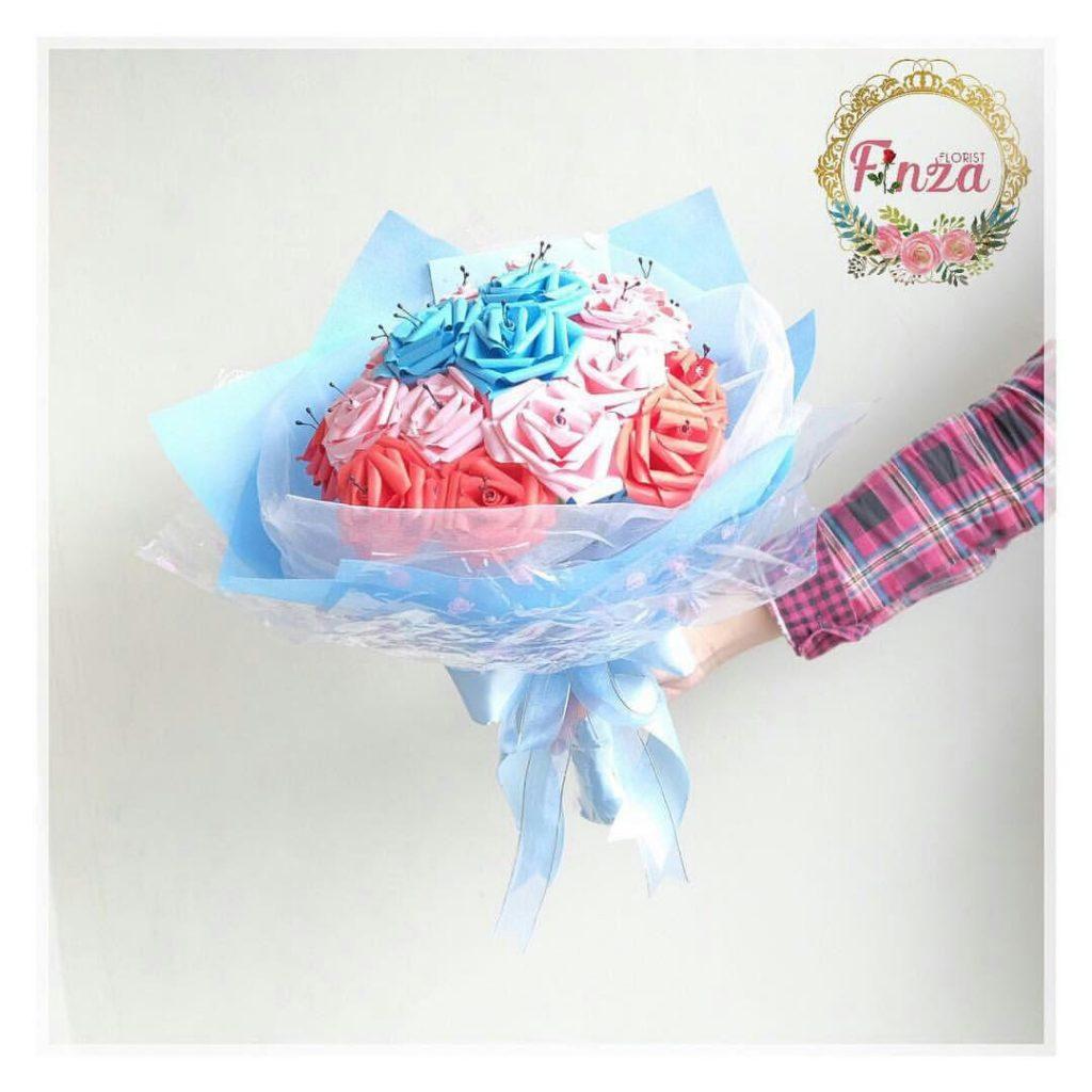 Kreasi buket bunga kertas Hijra Finza (foto  koleksi Hijra Finza) 677f68afe2