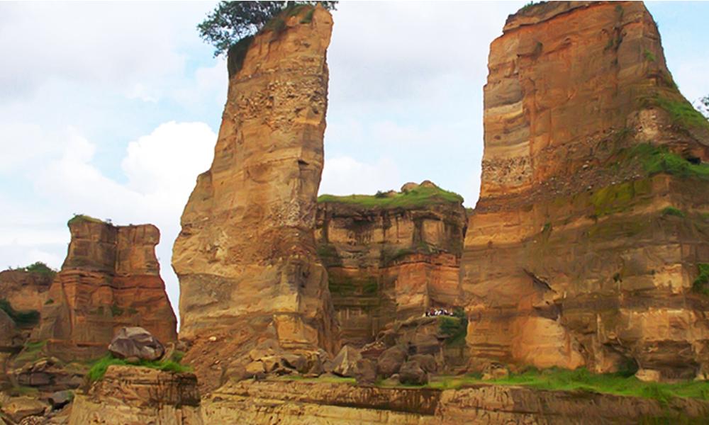 Grey Canyon Desa Tanjungrejo